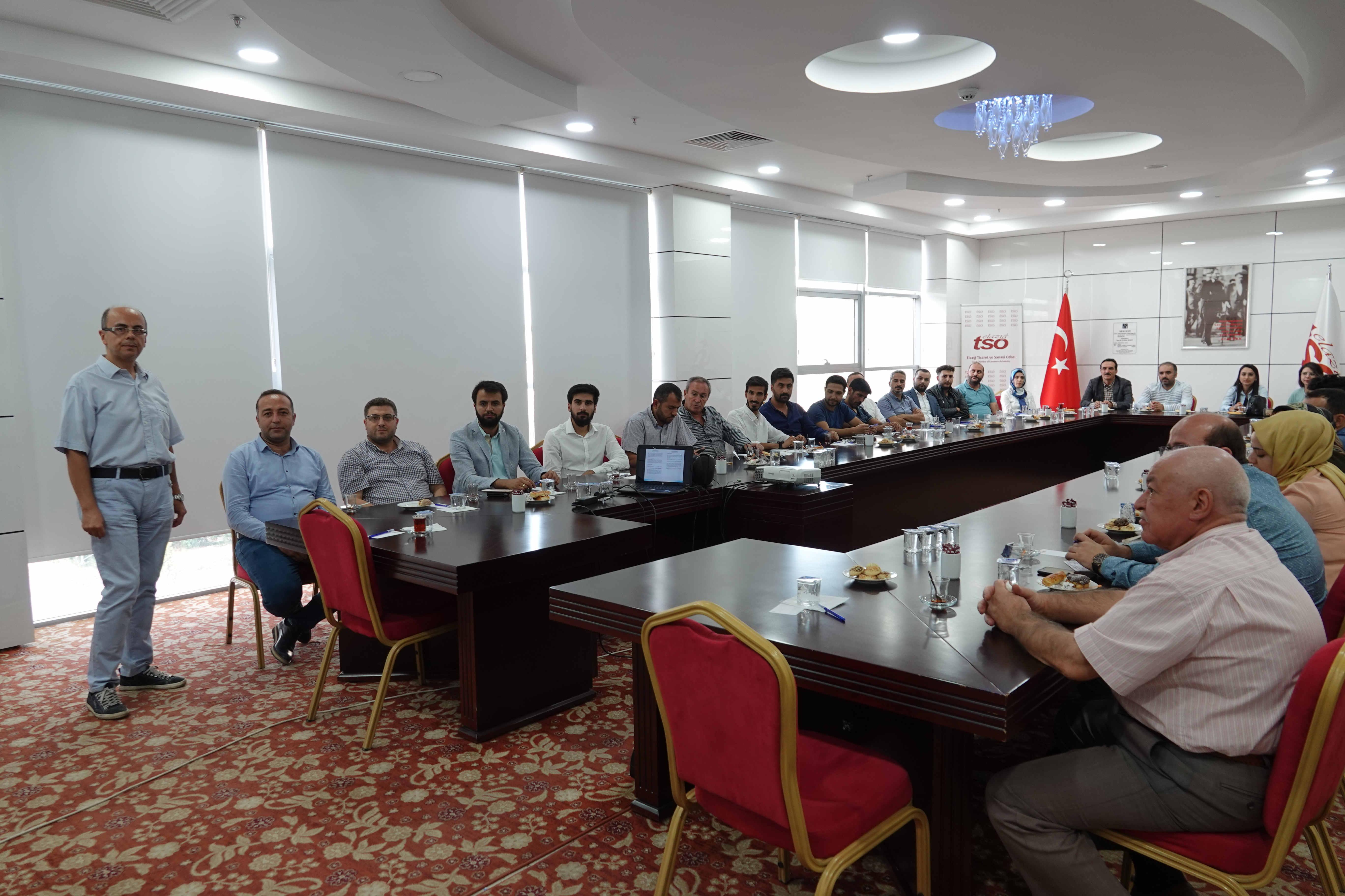 """""""Yeni Deprem Yönetmeliği Işığında Geoteknik Raporlar"""" Semineri"""