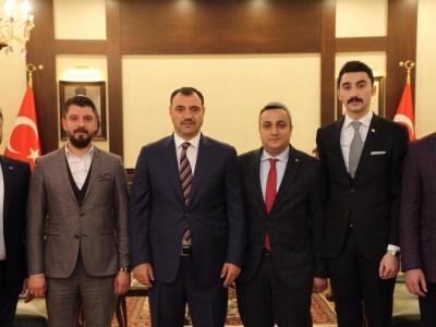 TSO GENÇ GİRİŞİMCİLER KURULU VALİ KALDIRIM' I ZİYARET ETTİ. a