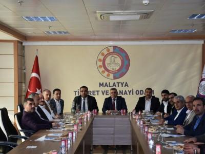 Elazığ Ticaret ve Sanayi Odası 12. Meslek Grubu olan Gıdacılar Malatya' da bir araya geldi. a